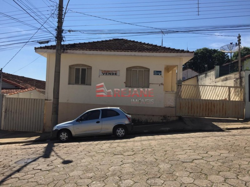 Foto: Casa - Centro - São Sebastião do Paraíso/MG